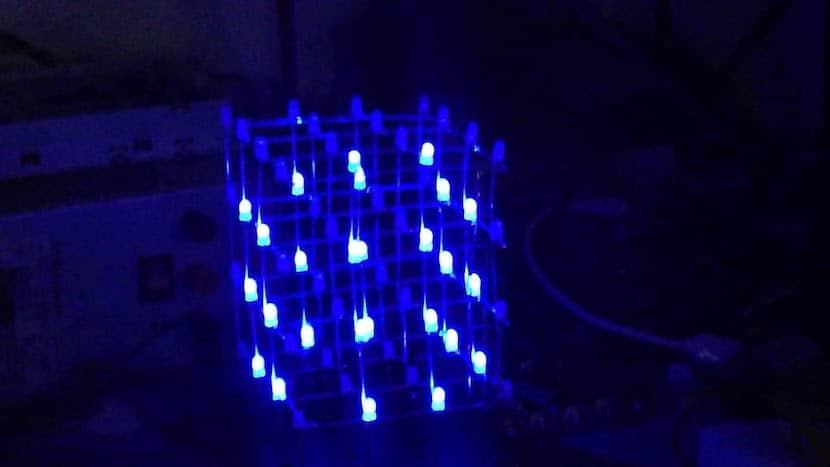 Cubo LED azul