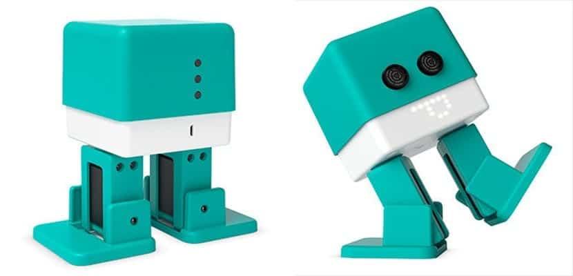 Dos imágenes del robot bípedo de BQ, el BQ Zowi