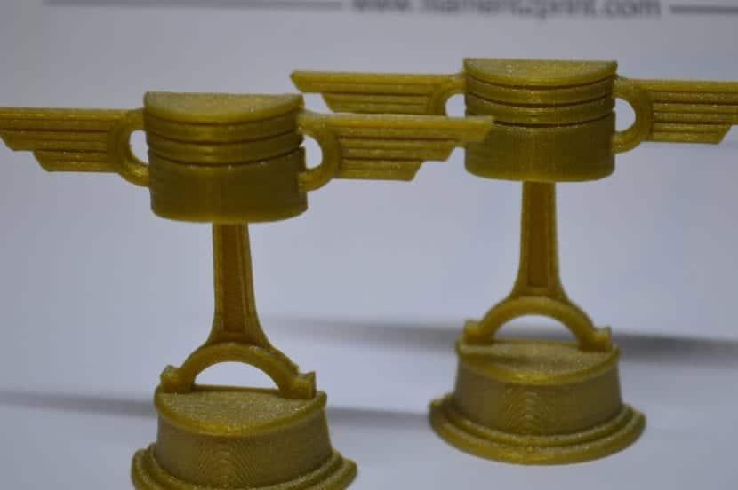 Objeto impreso en PLA dorado
