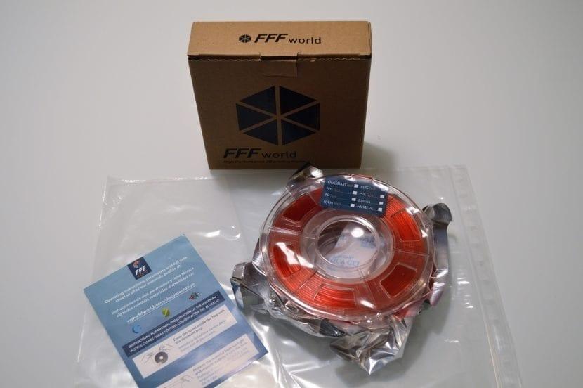 Desempaquetado de los filamentos de FFFworld: Flexible, PETG, ABS, Metal y PLA