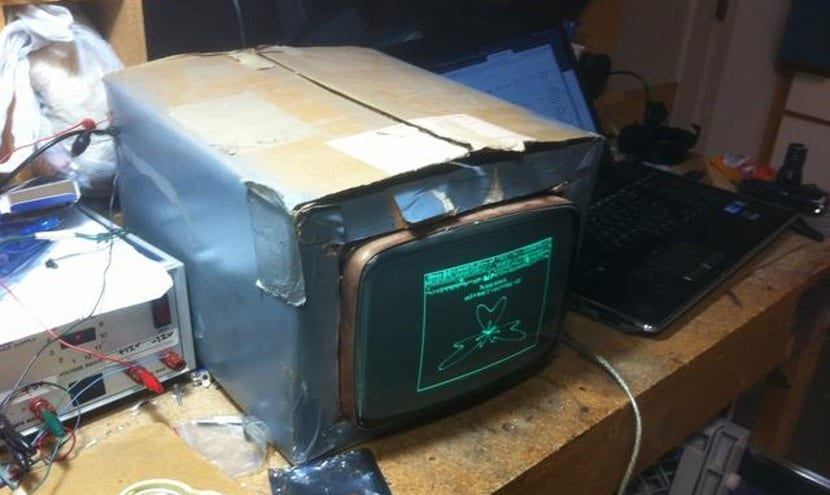 Monitor CRT reciclado
