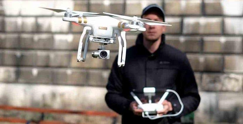 piloto de drones