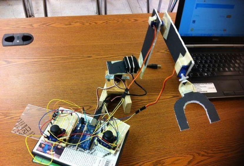 Imagen del resultado final del brazo robótico