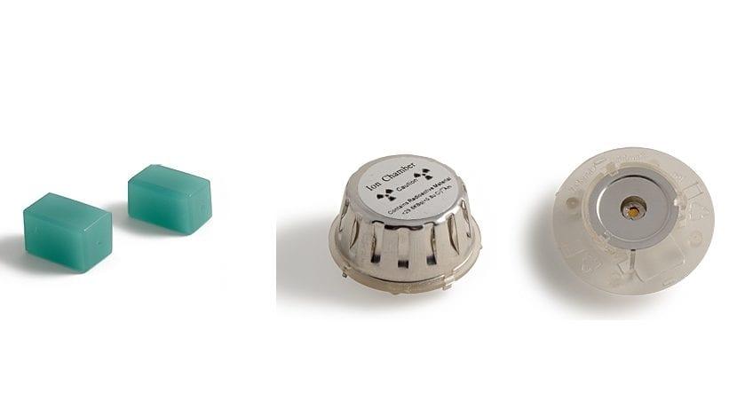 Cristales de uranio y detector de humo
