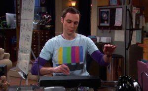 Sheldon Cooper tocando Theremin